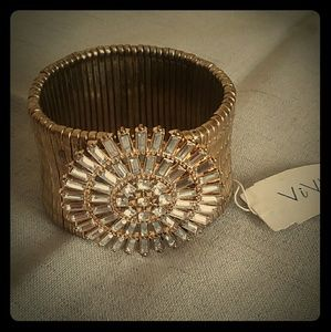 Retro goldtoned with rhinestones stretchy bracelet
